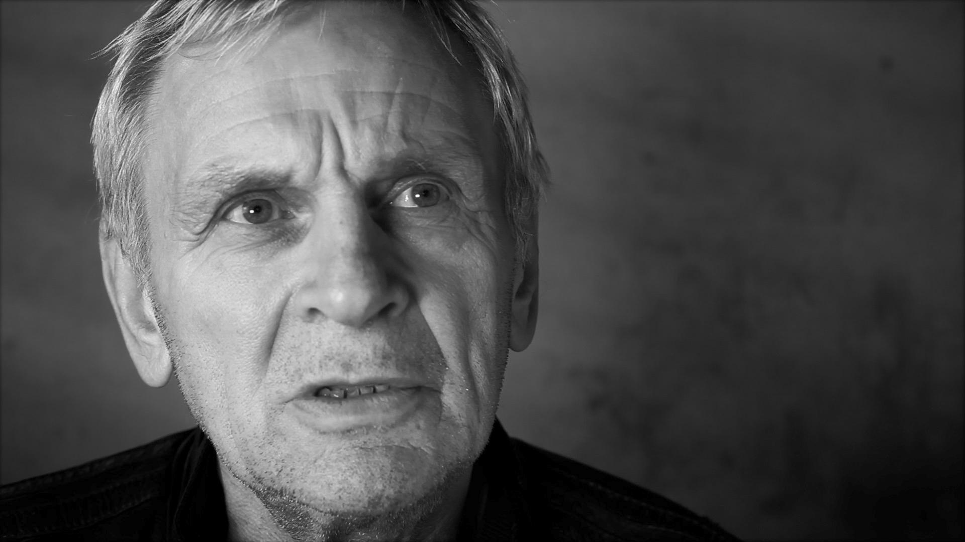 """Noel Walterthum portrait dans le clip """"Sabbat"""" du réalisateur de clip Viviane Riberaigua"""