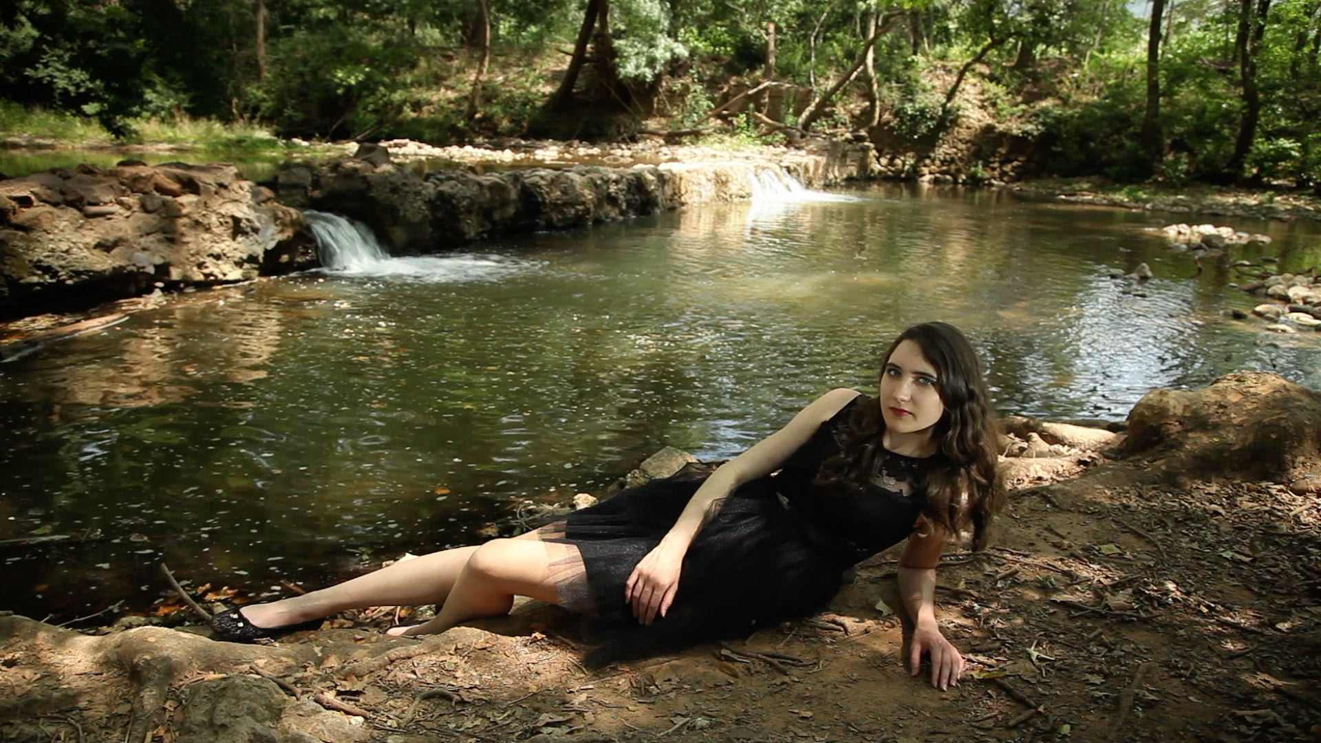 clip – Juste en rêvant – Manon Novak -viviane -riberaigua -realisateur music video director. jpg