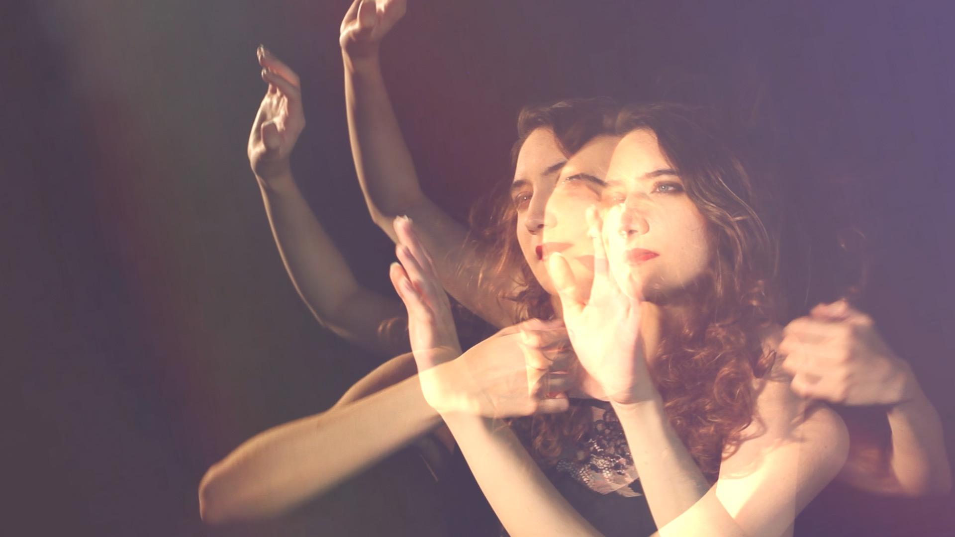 clip video musique – dream clip – Juste en rêvant – Manon Novak -viviane -riberaigua -realisateur music video director. 1