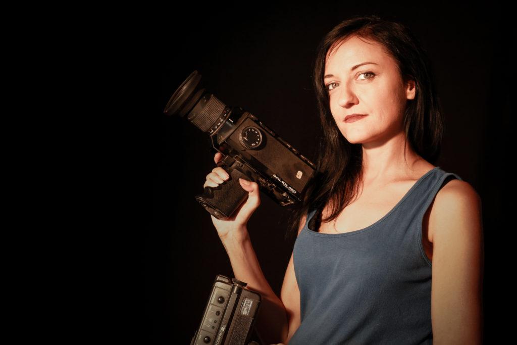 Portrait réalisatrice Viviane Riberaigua, Réalisateur de clip - réalisateur de film